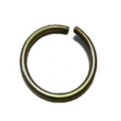 Pierścień zabezpieczający półoś w widełkach wałka słonecznego Case Magnum 1277405C1 7110, 7120, 7130, 7140, 7150
